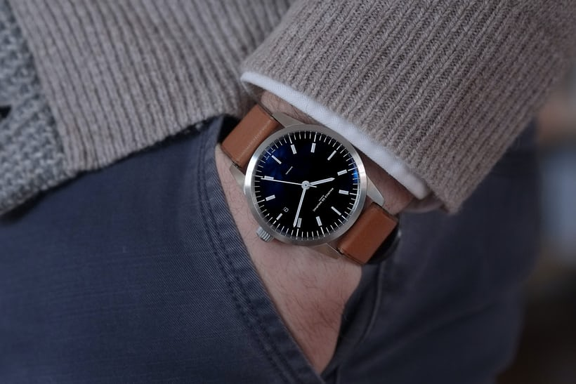 l1 stainless steel wristshot