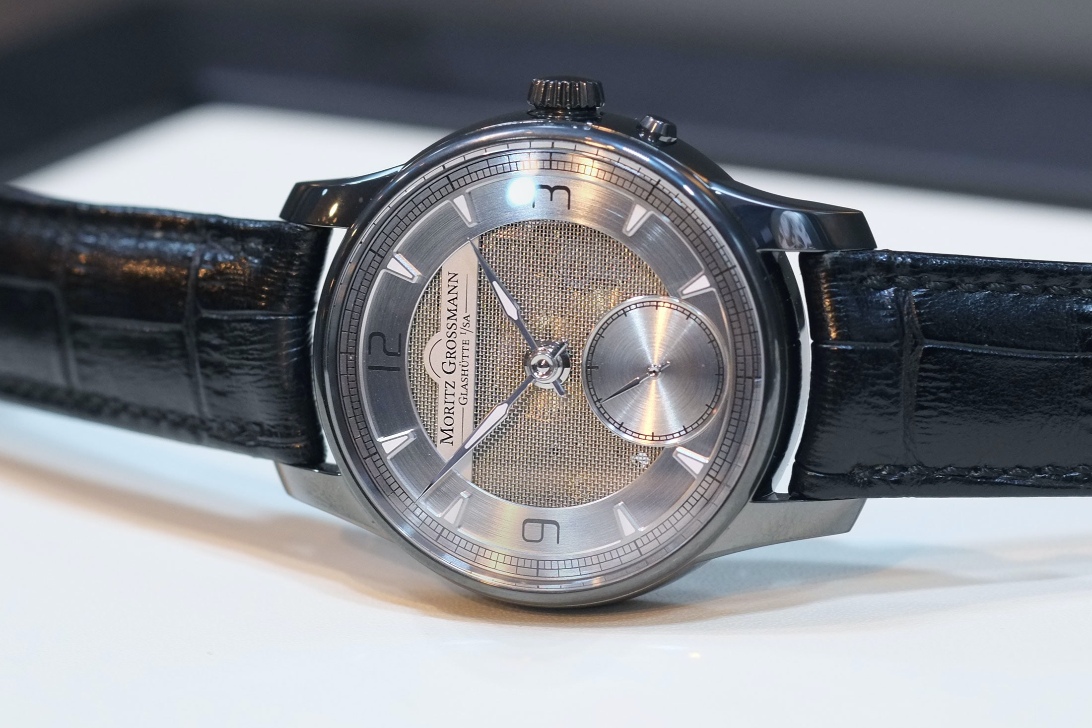 atum pure m moritz grossmann mesh dial Hands-On: The Moritz Grossmann Atum Pure M, A Polarizing But Fresh Design From Glashütte Hands-On: The Moritz Grossmann Atum Pure M, A Polarizing But Fresh Design From Glashütte mesh 3