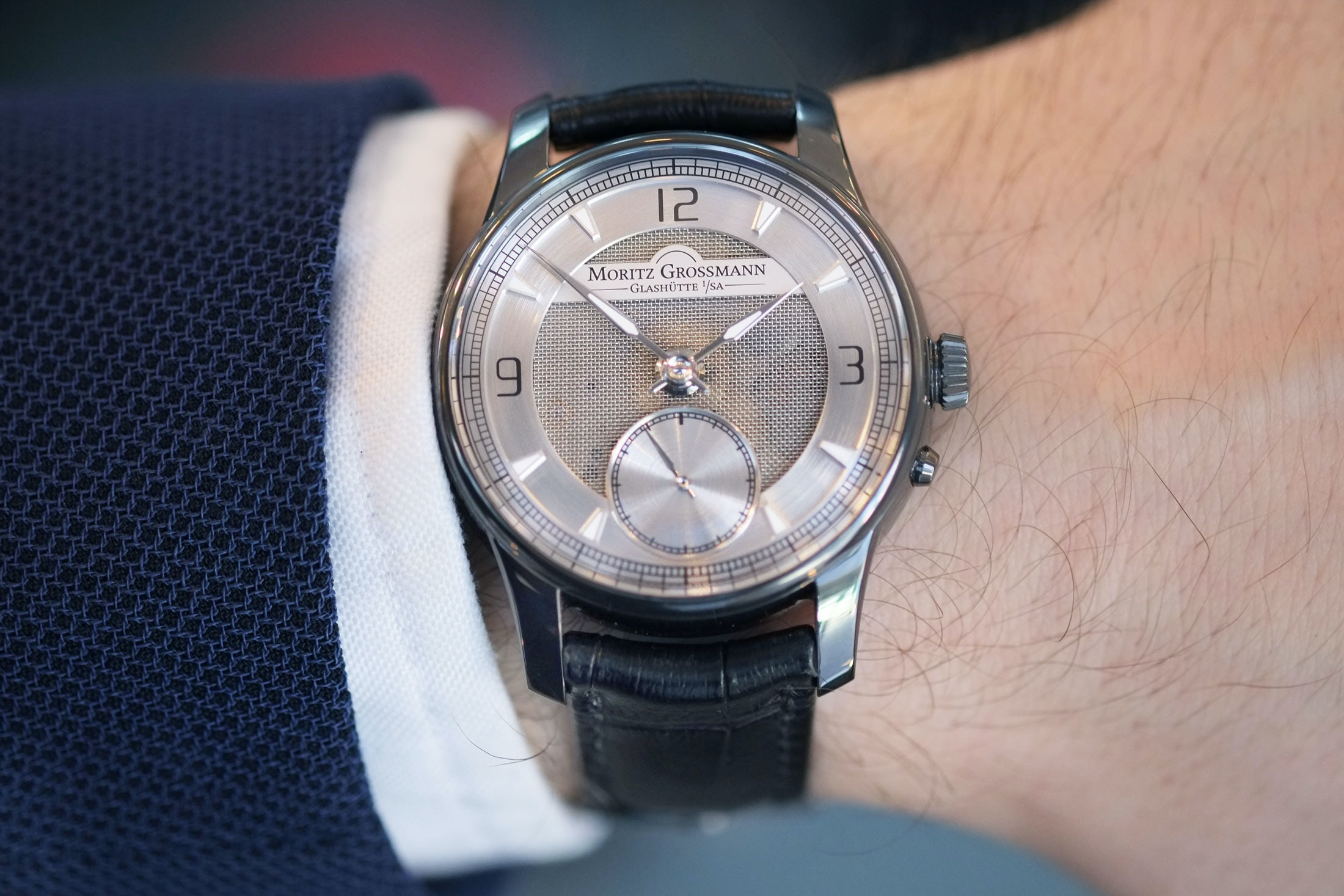 atum pure m moritz grossmann wristshot Hands-On: The Moritz Grossmann Atum Pure M, A Polarizing But Fresh Design From Glashütte Hands-On: The Moritz Grossmann Atum Pure M, A Polarizing But Fresh Design From Glashütte mesh 2