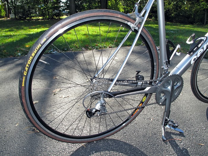 The fusée-like arrangement of gears in a bicycle: common underlying problems can produce very similar solutions.