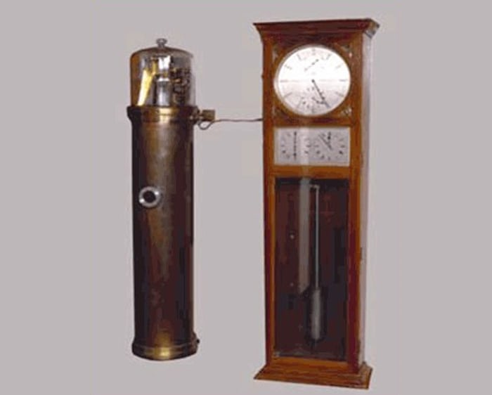 Shortt-Synchronome free pendulum clock, NIST Museum. This clock was tested for accuracy in 1984 and found to be accurate to one second's error in 12 years.