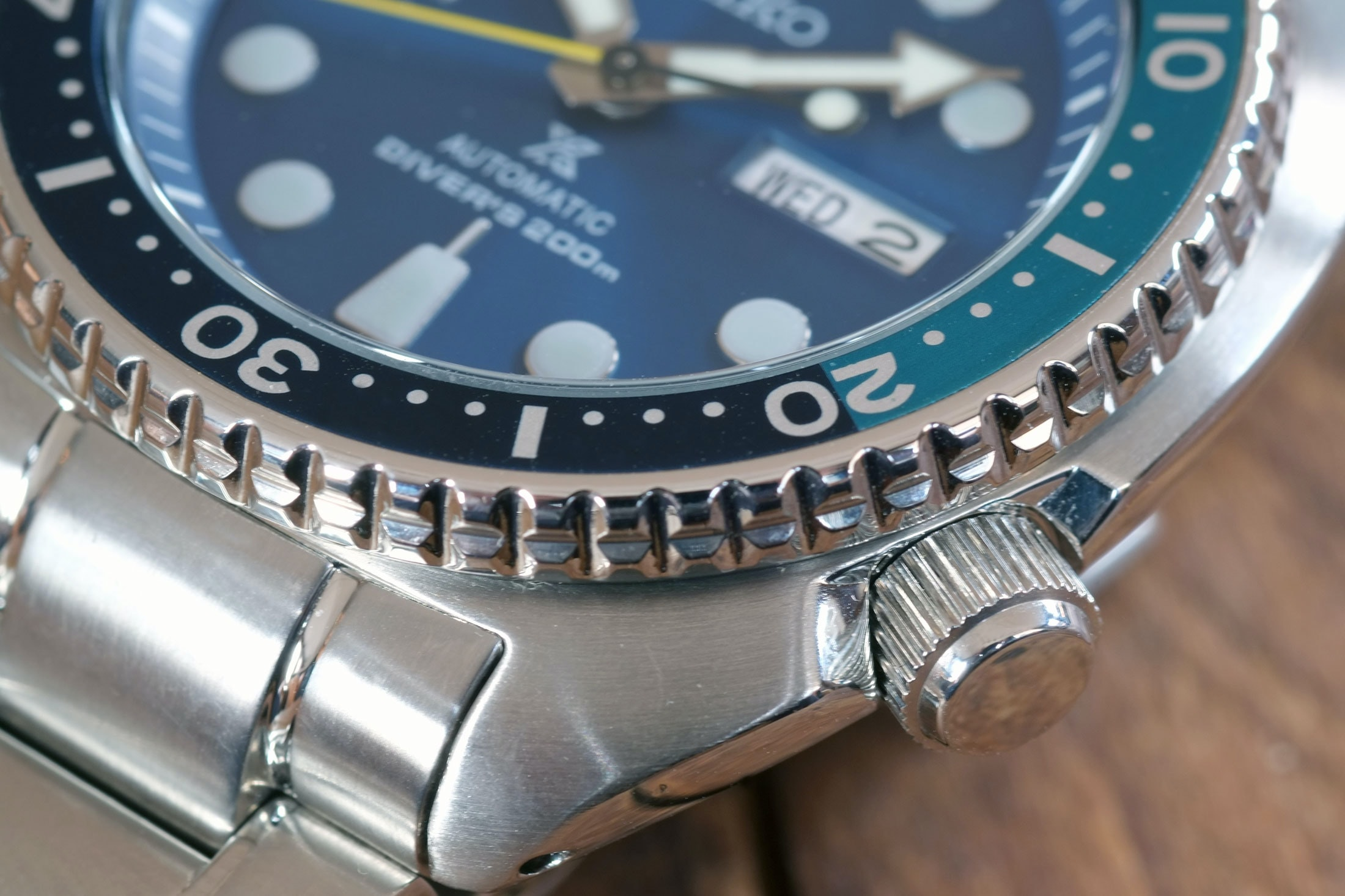 seiko diver automatic turtle bezel closeup In-Depth: Chronograph Vs. Dive Watch: Which Is More Practical For Real Life Timing? In-Depth: Chronograph Vs. Dive Watch: Which Is More Practical For Real Life Timing? seiko divers 10