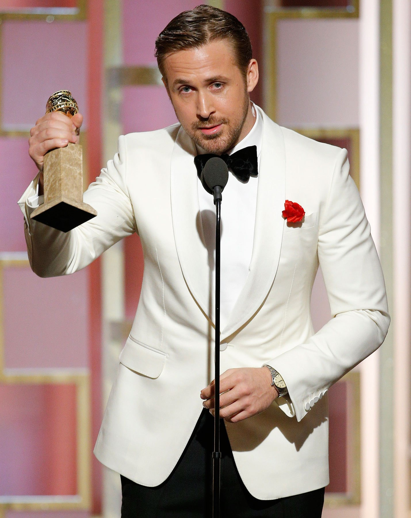 Watch Spotting: Ryan Gosling Wearing An Awesome Vintage Rolex At The 2017 Golden Globes, Because He Is Ryan Gosling Watch Spotting: Ryan Gosling Wearing An Awesome Vintage Rolex At The 2017 Golden Globes, Because He Is Ryan Gosling ryan gosling4