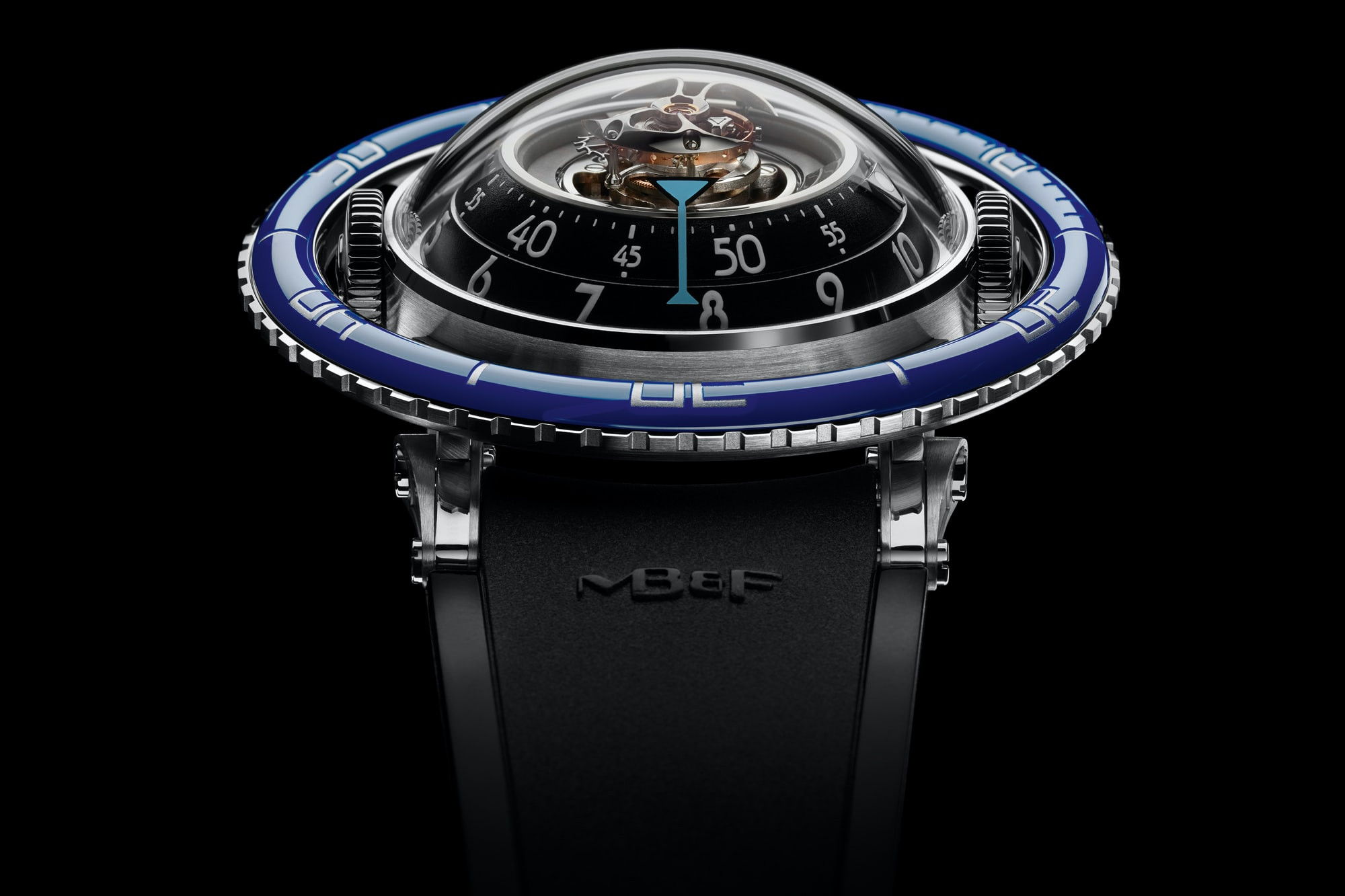 For its Horological Machine No. 7, MB&F decided to create its very first dive watch.