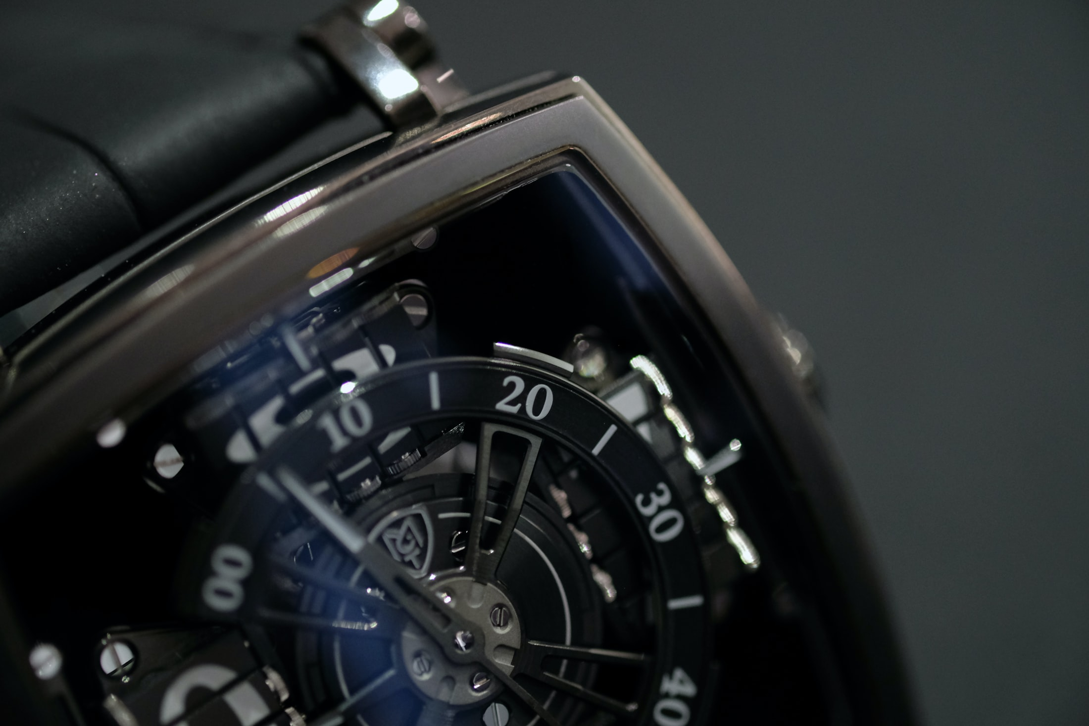 vantablack mct watch sequential one Hands-On: The MCT Sequential One 110 Evo Vantablack, The Darkest Watch Ever Made Hands-On: The MCT Sequential One 110 Evo Vantablack, The Darkest Watch Ever Made vantablack 03