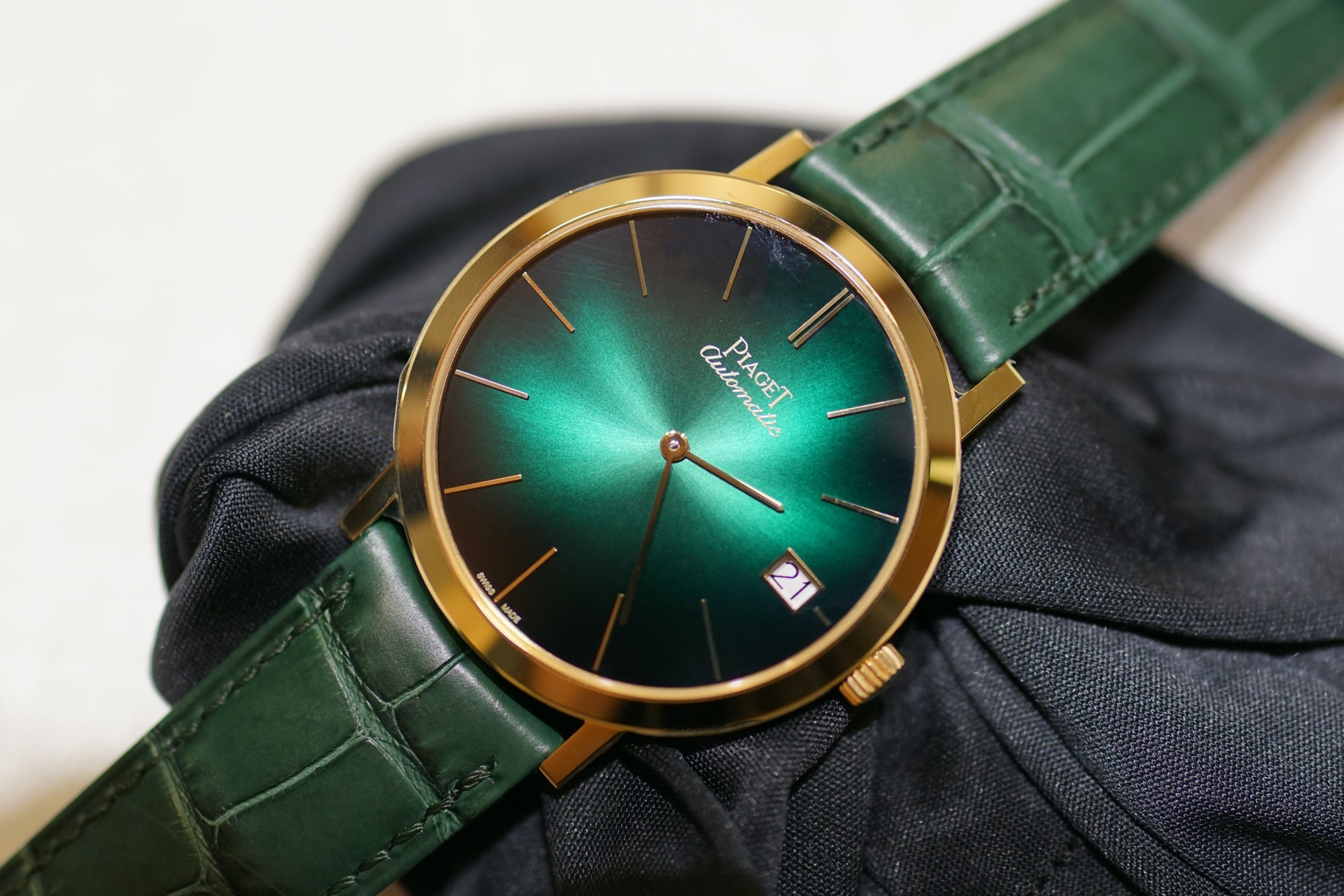 Piaget Altiplano with date G0A42052 Introducing: The Piaget Altiplano Automatic With Date, Going Back To The Roots Of Piaget (Live Pics + Pricing) Introducing: The Piaget Altiplano Automatic With Date, Going Back To The Roots Of Piaget (Live Pics + Pricing) piaget