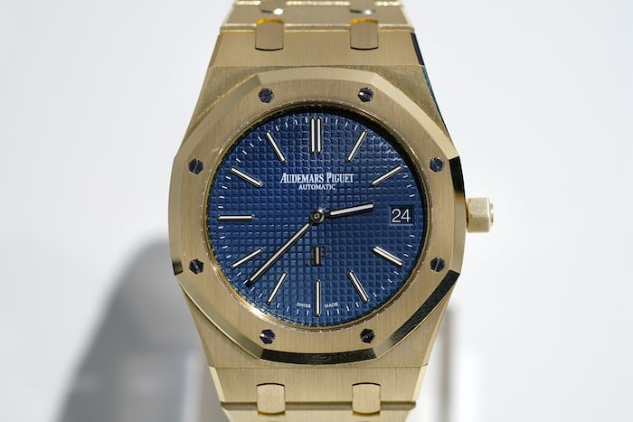 "Audemars Piguet Royal Oak ""Jumbo"" ref. 15202 gold dial"