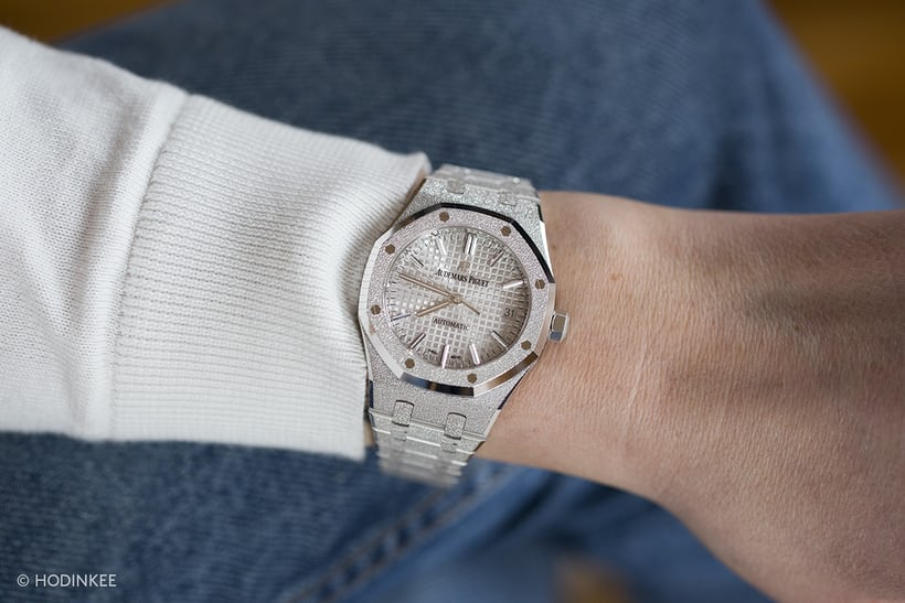 audemars piguet royal oak frosted gold wristshot