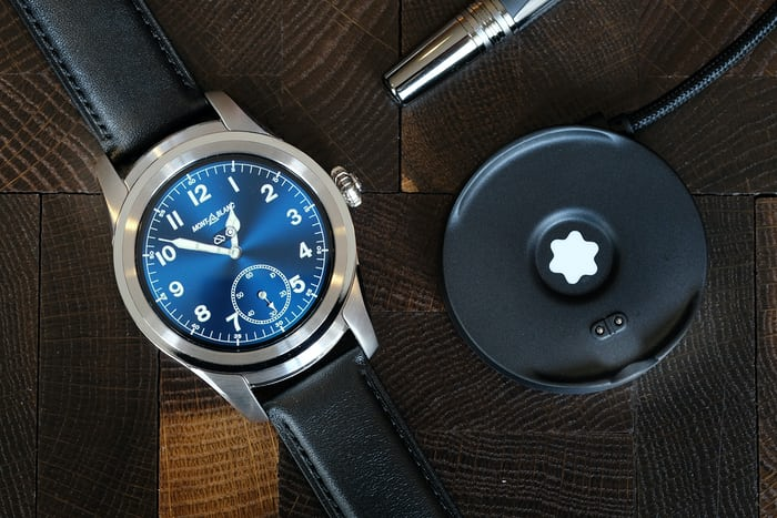 Montblanc Summit smartwatch charging cradle
