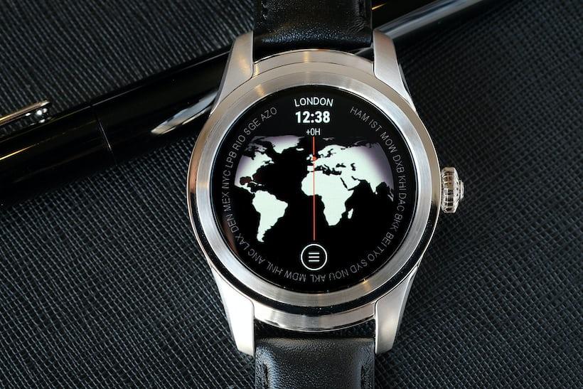 Montblanc Summit smartwatch worldtimer app