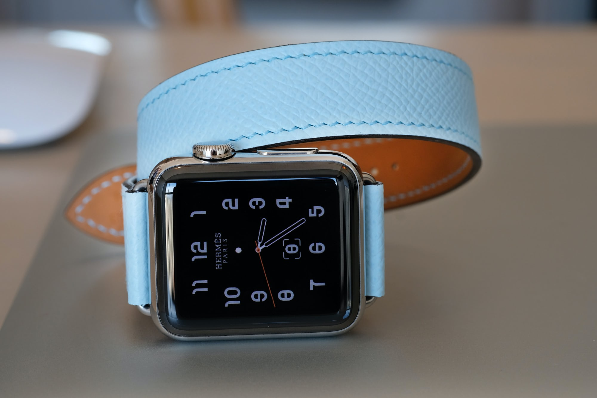 Herms apple watch  business news: forget the swiss, it's fossil that apple is threatening Business News: Forget the Swiss, It's Fossil That Apple Is Threatening hermes apple 17