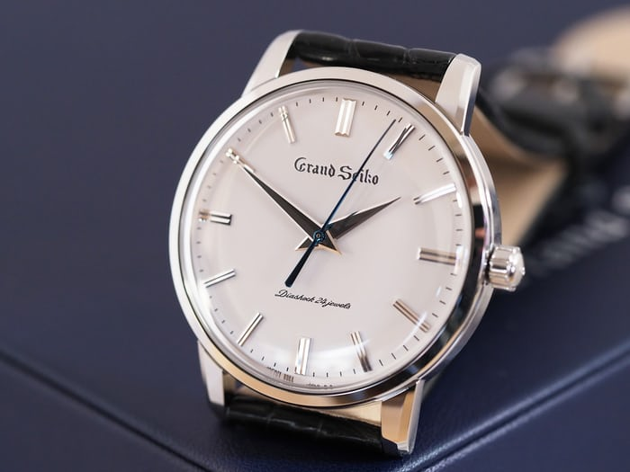 SBGW253 Grand Seiko oblique view dial
