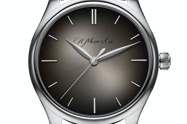 H. Moser Endeavour Centre Seconds white gold grey