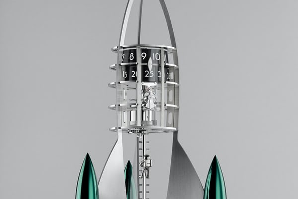 mb&f destination moon green