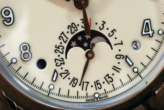Patek Philippe 5320G perpetual calendar indicators