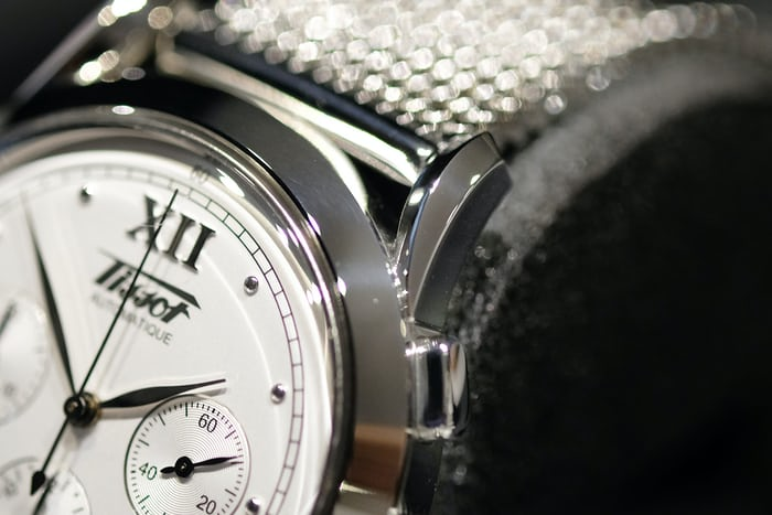 tissot heritage 1948 chronograph lugs