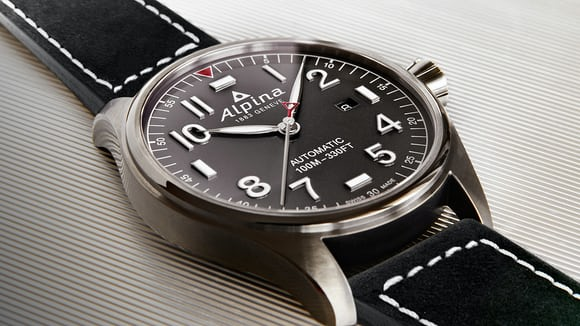 Alpina Startimer AL-525 10.70mm thick Baselworld 2017.