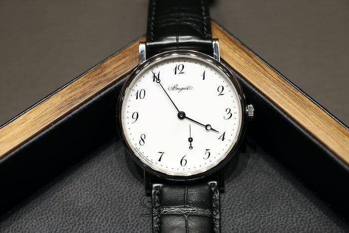 Breguet Classique 7147 enamel dial