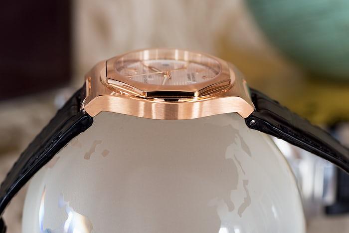 Gold 38mm Girard Perregaux Laureato side view