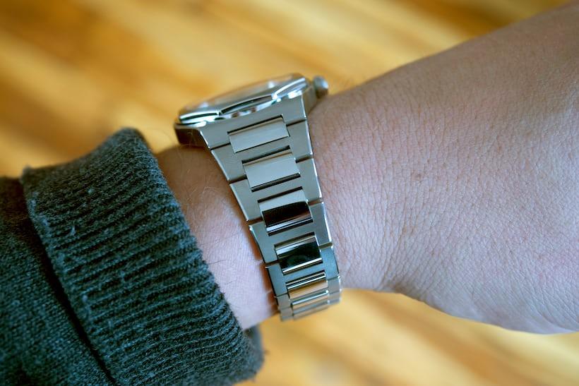 Girard-Perregaux Laureato 38mm case flank on wrist