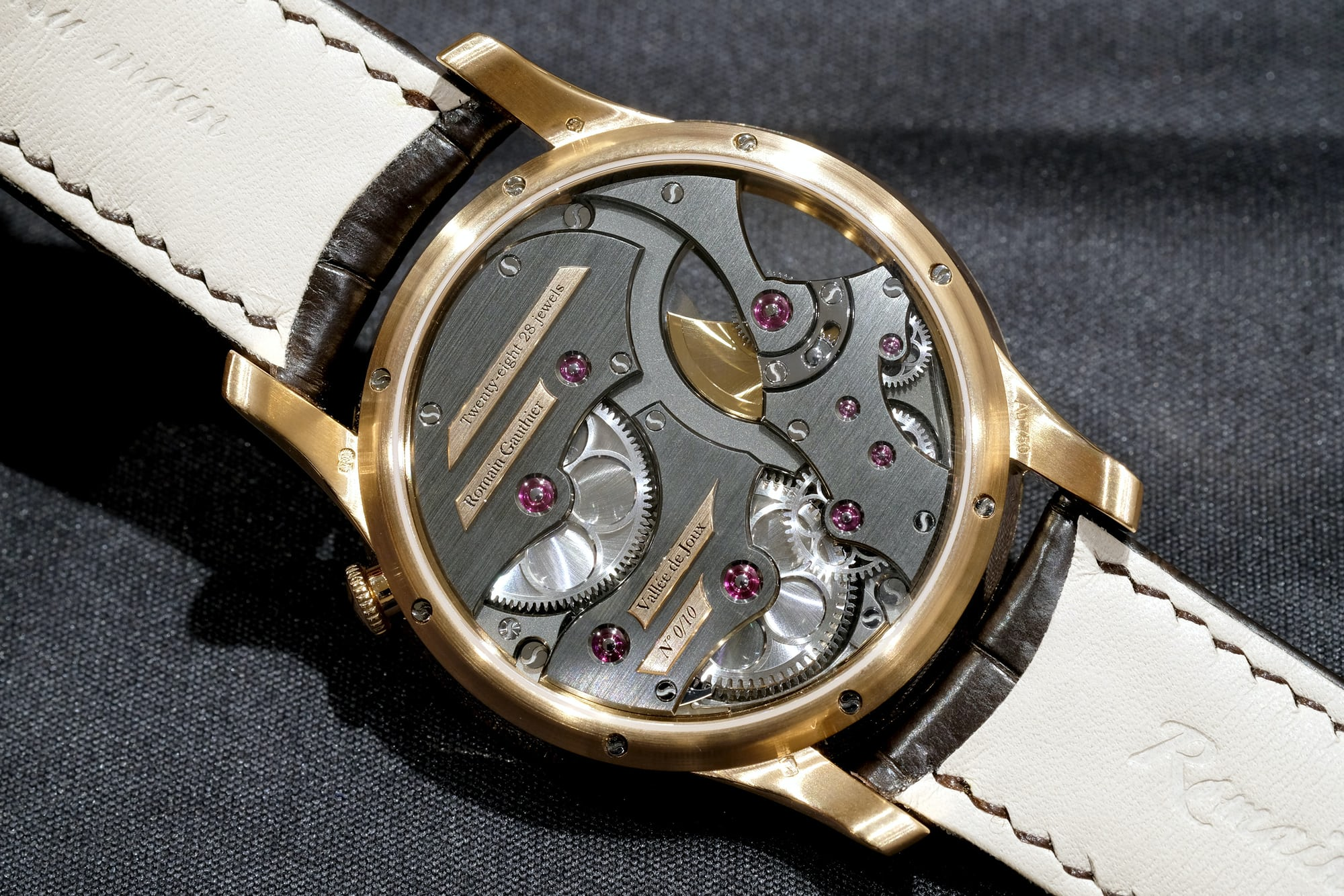 romain gauthier insight micro rotor red gold movement