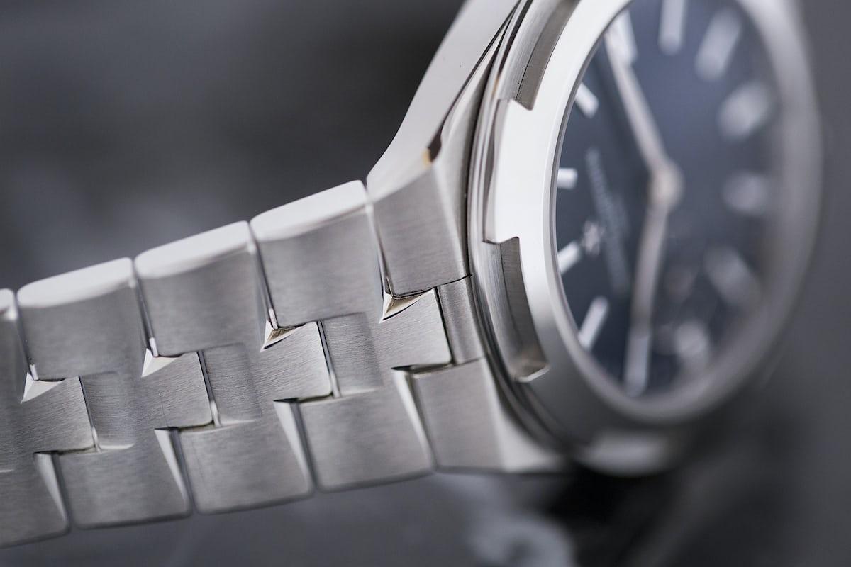 vacheron constantin overseas 37mm steel bracelet