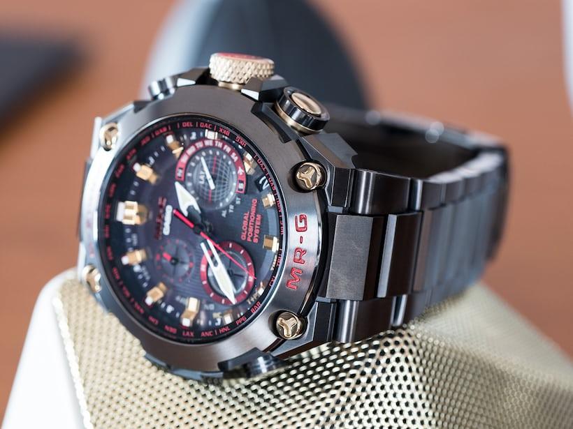 Casio G-Shock MRG-G1000B-1A4 Akazonae case view