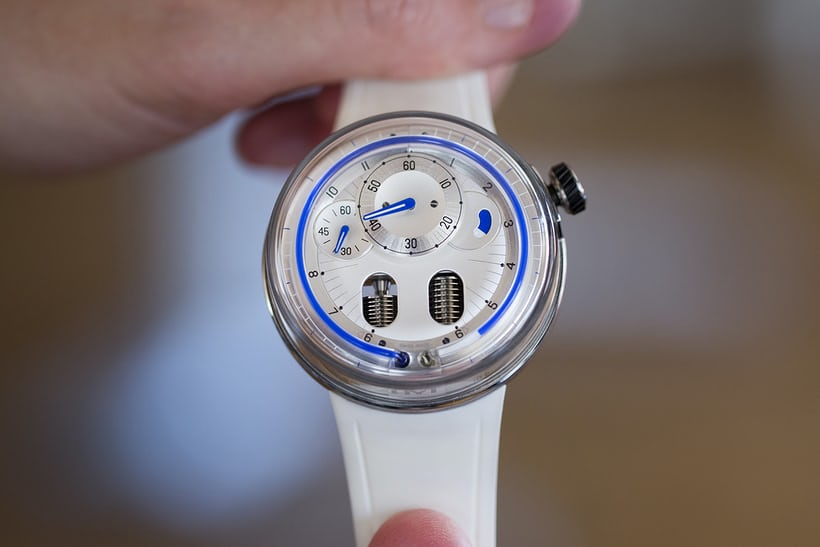 The HYT H0 Silver hands on.