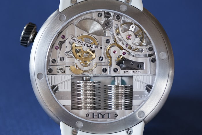 The HYT H0 Silver movement.