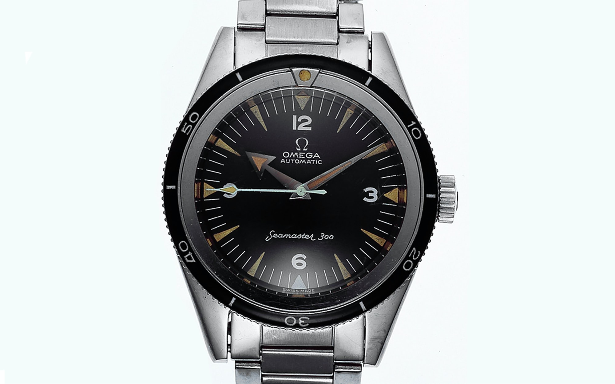 Auction Report: A Military Seamaster 300 That Served Its ...