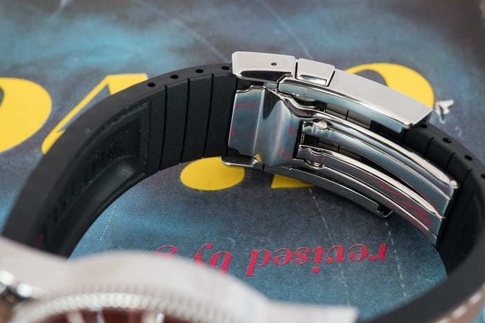 Breitling Superocean Héritage II strap and buckle