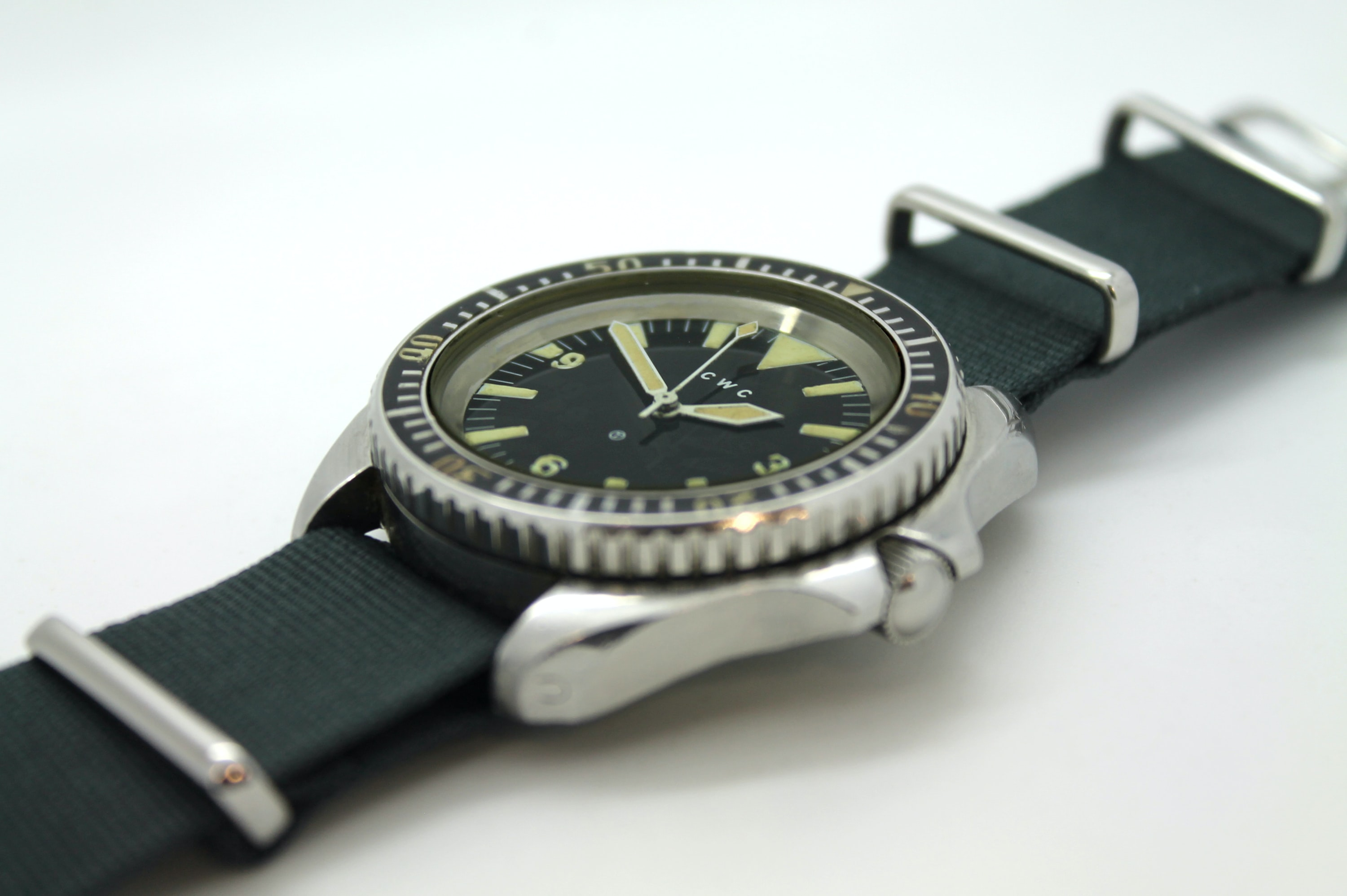cwc dive watch automatic.