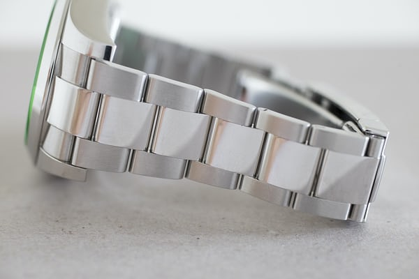 rolex milgauss z-blue bracelet