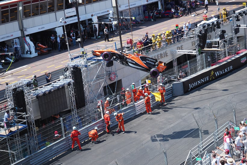 McLaren crash, qualifying day at the Monaco Grand Prix