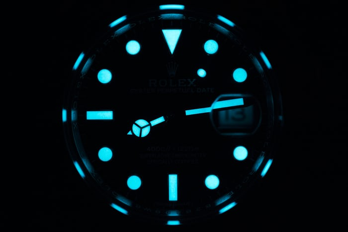 Rolex Sea-Dweller 126600 2017 lume shot