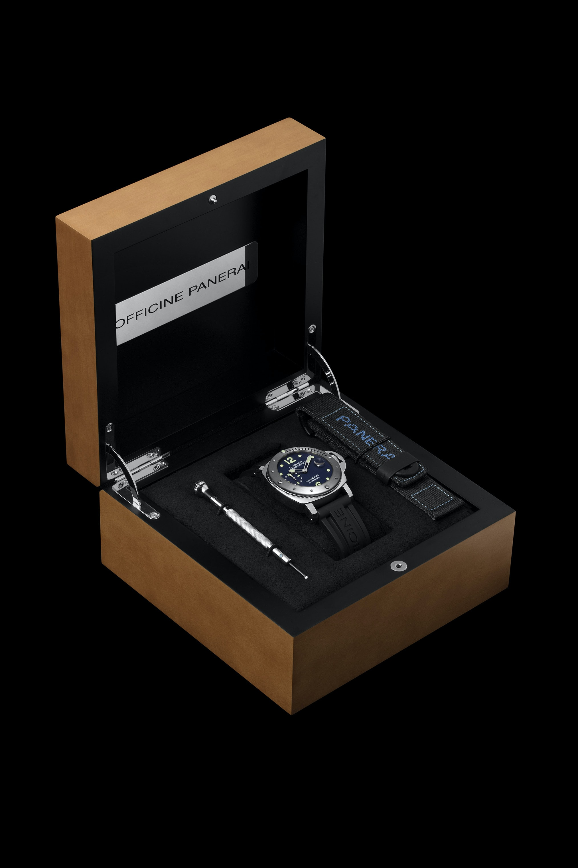 Introducing: The Panerai Limited Edition Luminor Submersible Acciaio PAM00731, An E-Boutique Limited Edition Introducing: The Panerai Limited Edition Luminor Submersible Acciaio PAM00731, An E-Boutique Limited Edition Pam731 Cat Box01