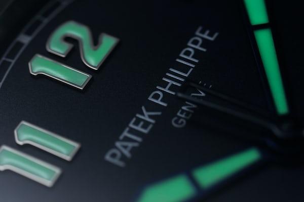 Patek Philippe 5522A Limited Edition Pilot's Calatrava dial closeup lume