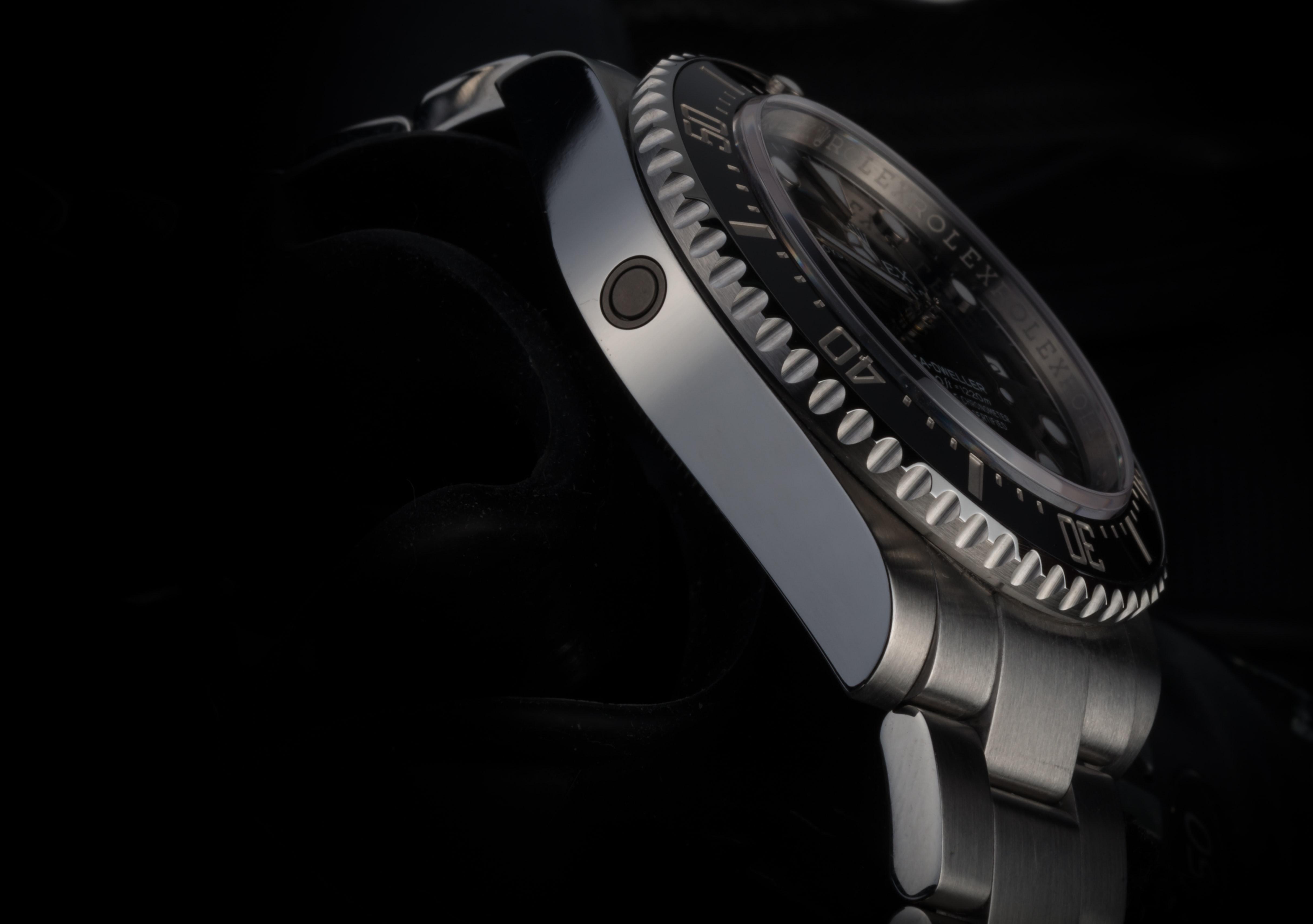 Rolex Sea Dweller  In-Depth: Seven Dive Watch Myths Deep-Sixed Hevalve Rolex