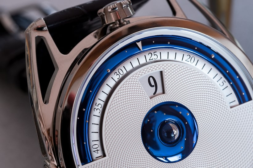 De Bethune DB28 Digitale moonphase and lug detail