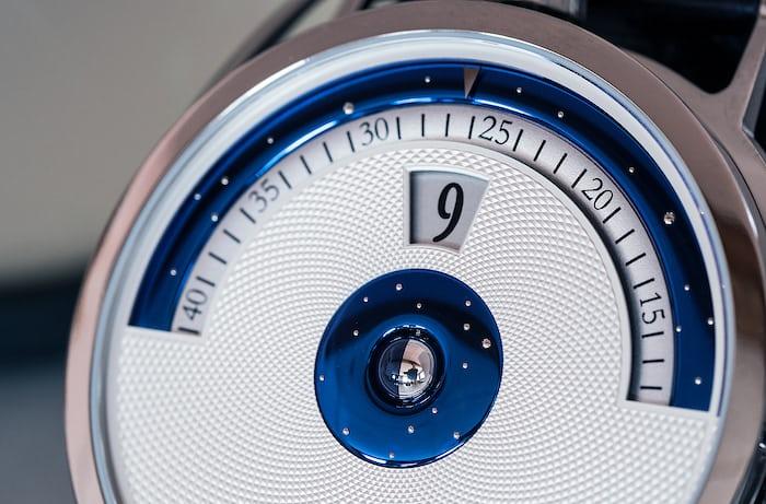 De Bethune DB28 Digitale dial oblique angle