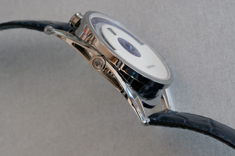 De Bethune DB28 Digitale case flank and lugs