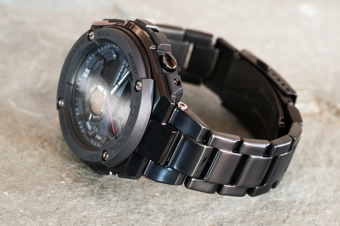 Hands On The Casio G Shock G Steel Gst200rbg 1 In Collaboration