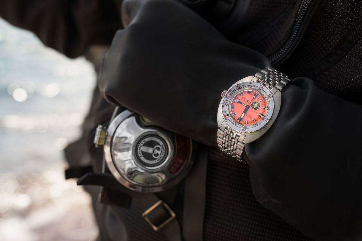 Doxa SUB 300 Aqua Lung Edition wristshot