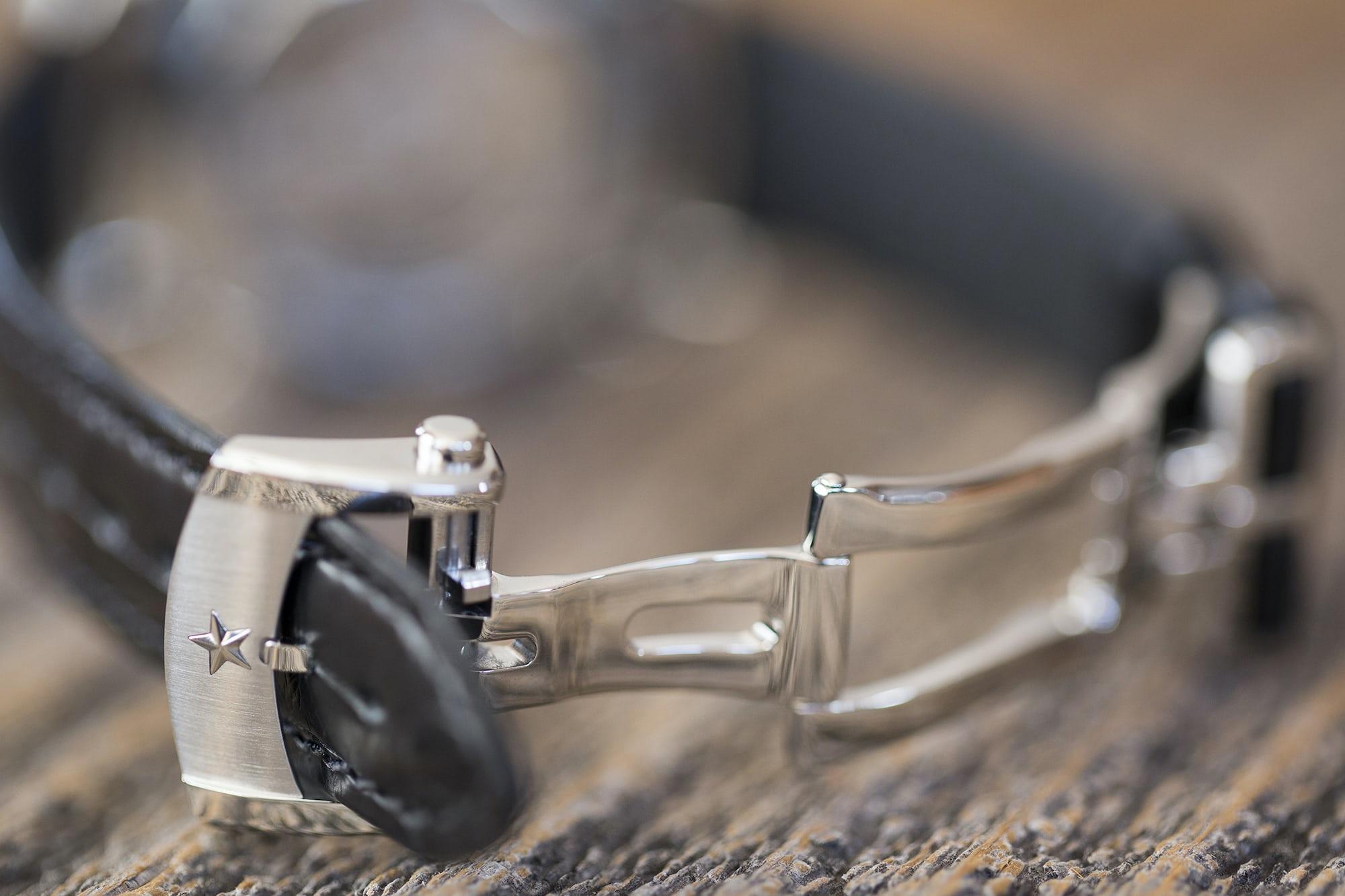 The Zenith El Primero Chronomaster 38mm deployant clasp Hands-On: The Zenith El Primero Chronomaster 38mm Hands-On: The Zenith El Primero Chronomaster 38mm B89A0847 copy