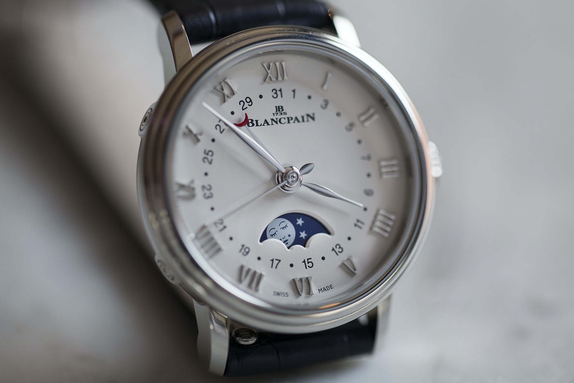 blancpain date moonphase hands-on: the blancpain villeret date moonphase ladies' watch Hands-On: The Blancpain Villeret Date Moonphase Ladies' Watch B89A3642 copy