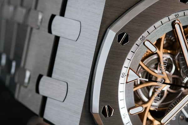 Royal Oak Tourbillon Chronograph Squelette, reference 26347 case detail