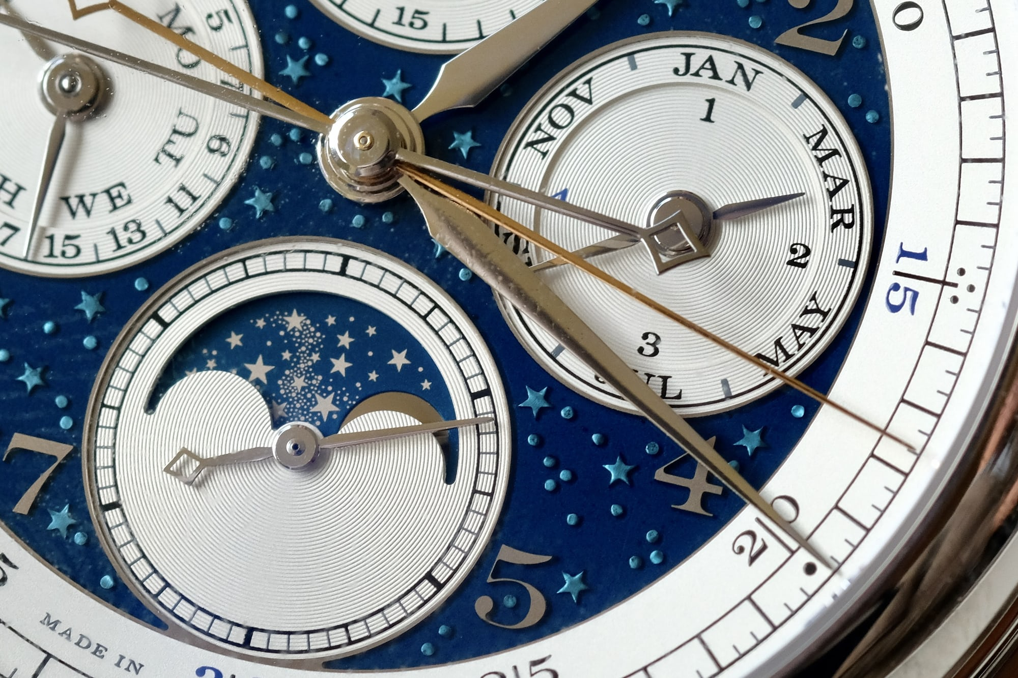 1815 Rattrapante Perpetual Calendar Handwerkskunst moonphase introducing: the a. lange & shne 1815 rattrapante perpetual calendar handwerkskunst (live pics & pricing) Introducing: The A. Lange & Shne 1815 Rattrapante Perpetual Calendar Handwerkskunst (Live Pics & Pricing) IMG 2474