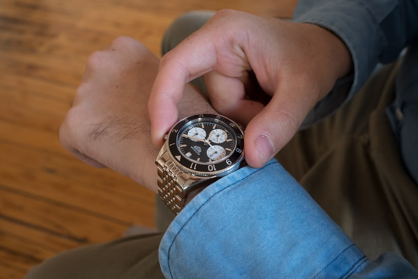 Pressing the pushers on the Autavia Chronograph.