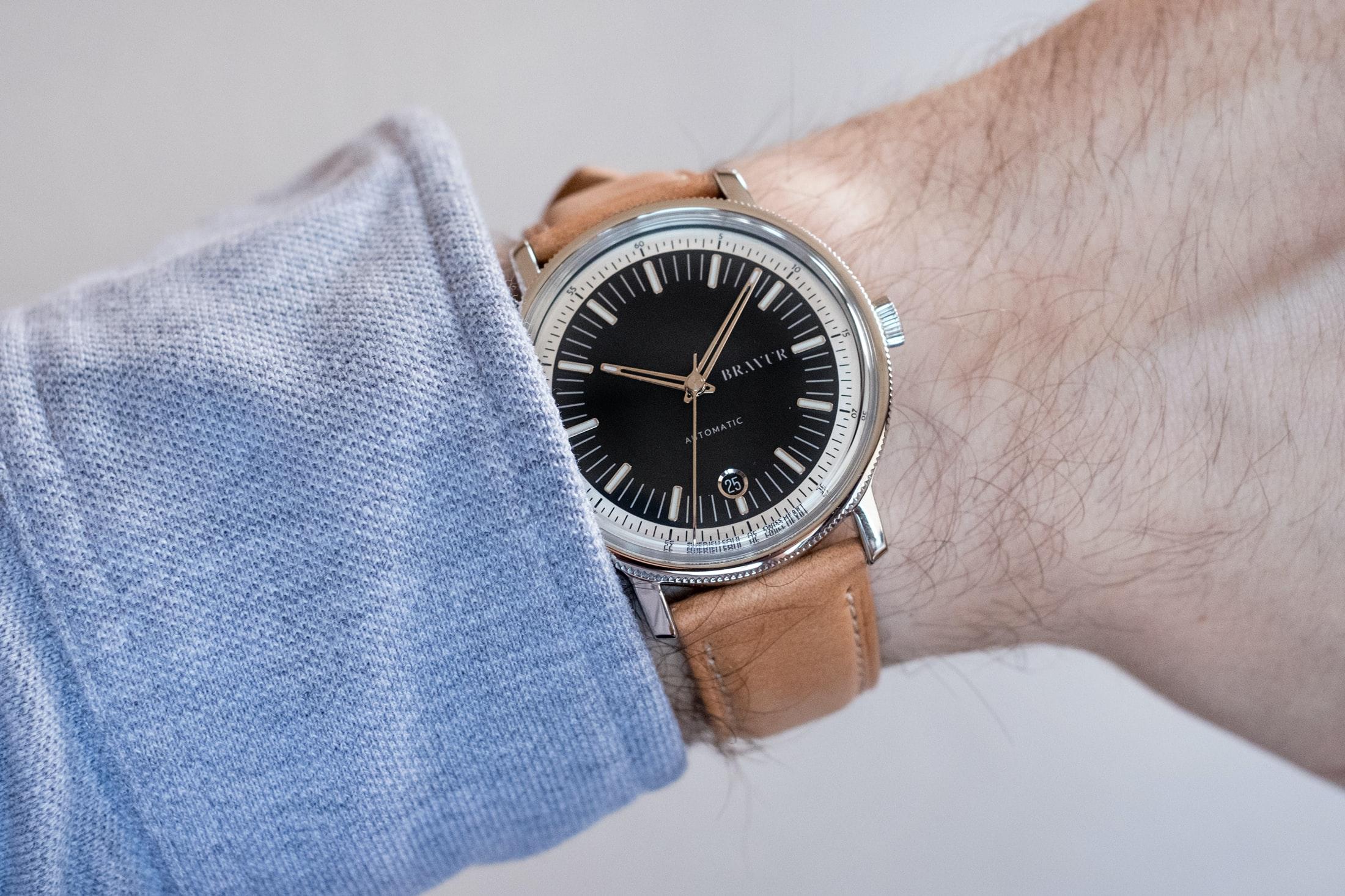 bravur watches bw003 black wristshot Hands-On: The Bravur BW003 Automatic Hands-On: The Bravur BW003 Automatic bravur 02