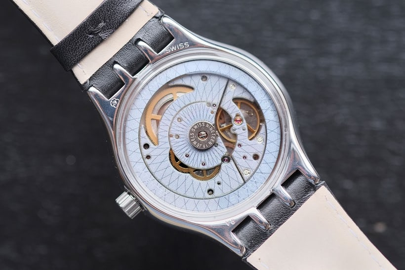 sistem51 swatch movement